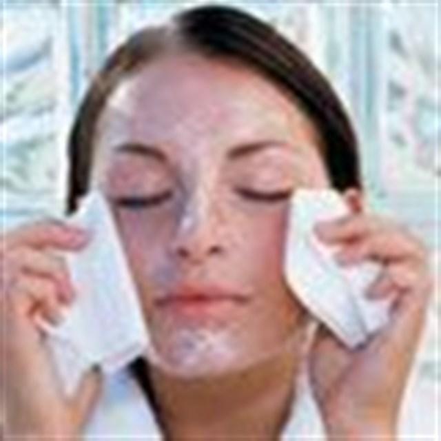 Yaşlanmaya karşı cilde check-up